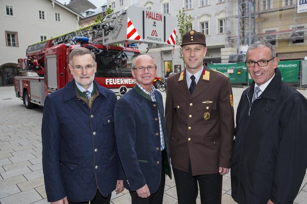 Vizebbürgermeister Hallein, Josef Rußegger, Landeshauptmann-Stellvertreter Chris..