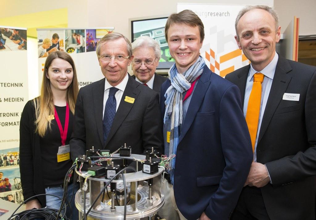 Gloria Deibl, Landeshauptmann Wilfried Haslauer, Bernd Petrisch, Michael Bayrham..