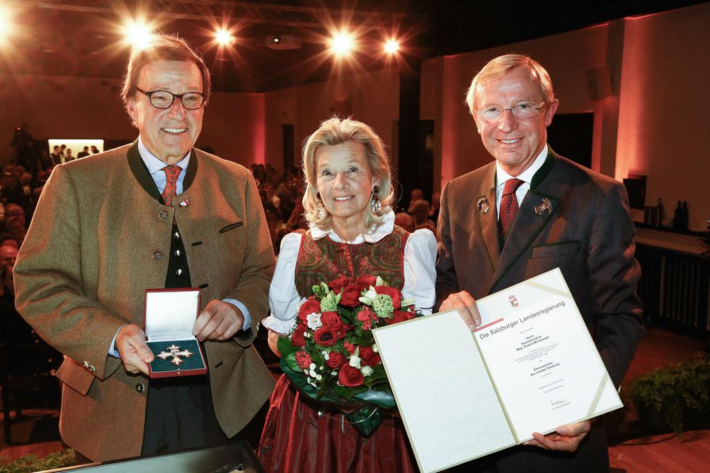 Rudolf Weinberger mit Gattin Brigitte und Landeshauptmann Wilfried Haslauer