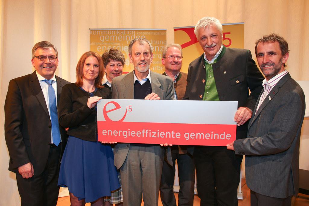 Landesrat Josef Schwaiger, Helmut Strasser, SIR-Programmleiter, und Vertreterinn..