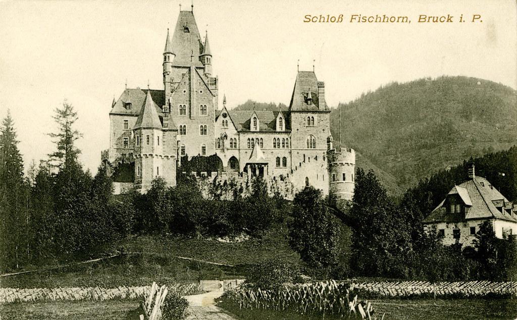 Schloss Fischhorn diente während des Zweiten Weltkriegs als Depot für geraubte K..
