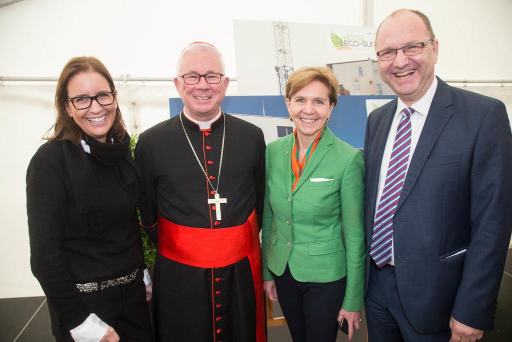 Judith Ditlbacher, Erzbischof Franz Lackner, Landtagspräsidentin Brigitta Pallau..