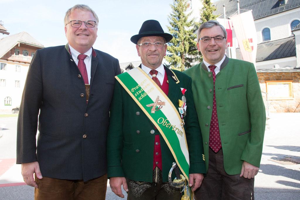 Bgm. Simon Wallner, Kommandant Johann Pötzelsberger und Landesrat Josef Schwaige..