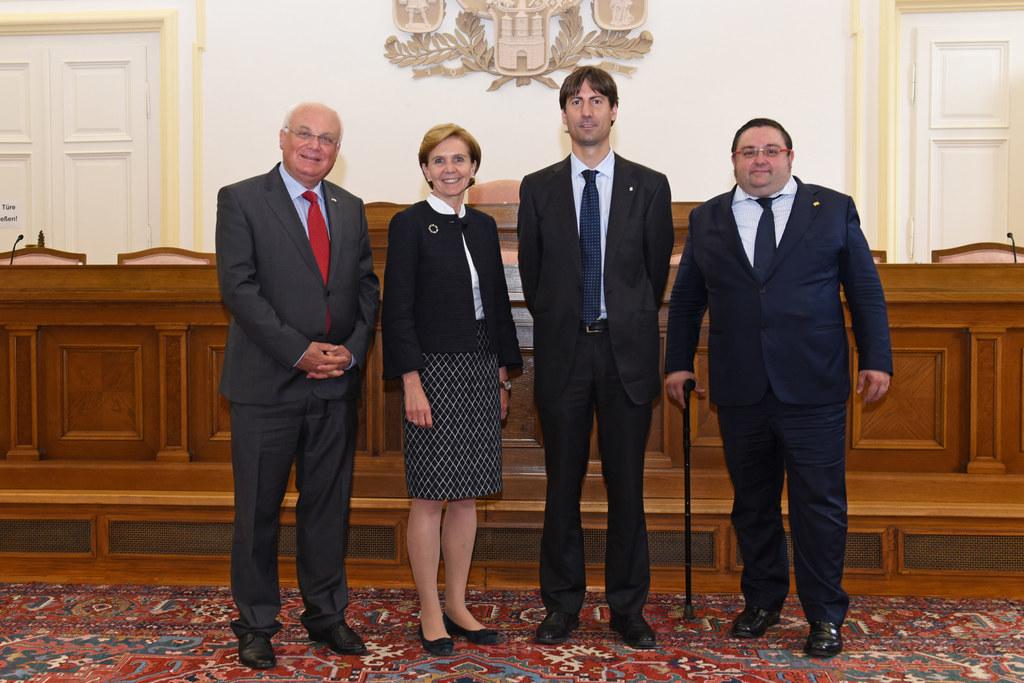 Katalanische Delegation zu Besuch bei Landtagspräsidentin Brigitta Pallauf, i. B..