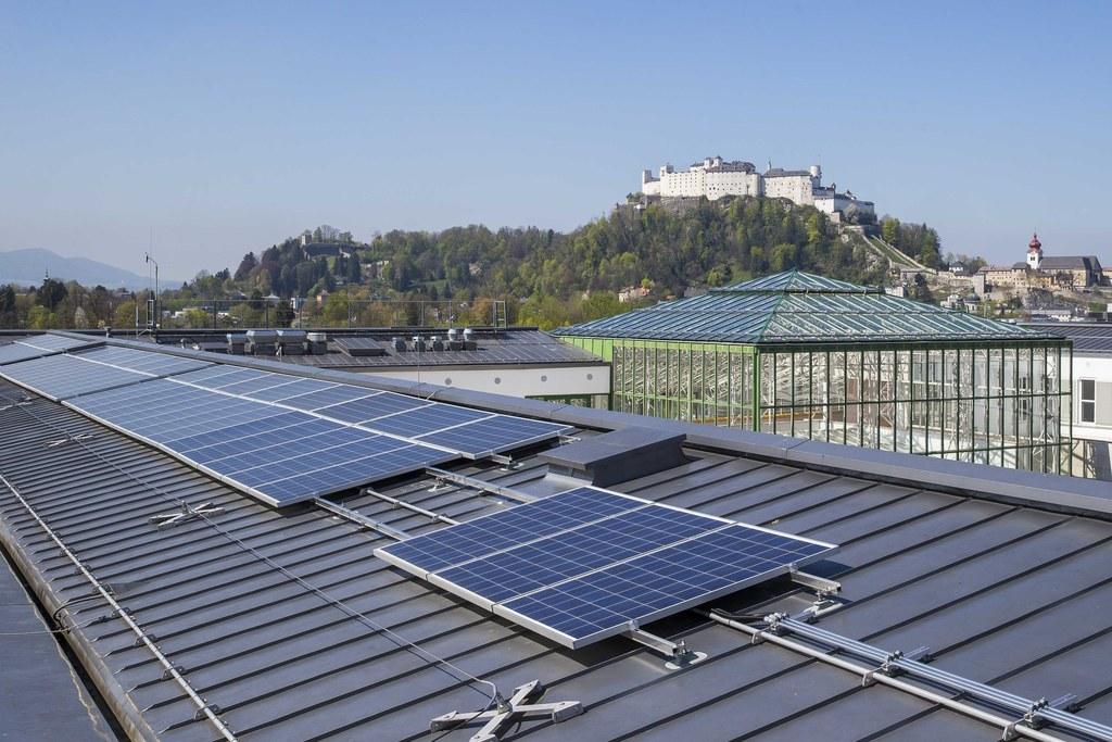 Der Leistungszuwachs bei Photovoltaikanlagen in Salzburg ist enorm.