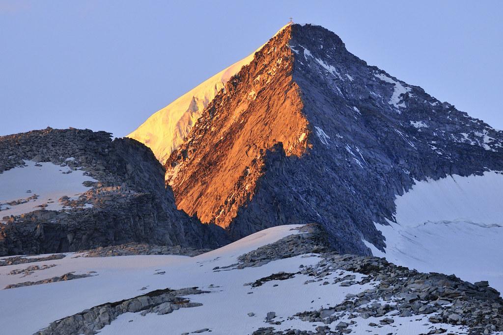Der Großvenediger ist mit 3.657 Metern der höchste Berg Salzburgs, auch wenn er ..