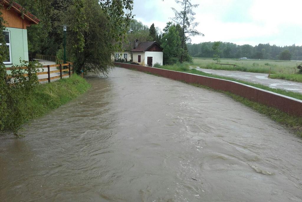 Hochwasserschutzbauten an der Mattig im Flachgau