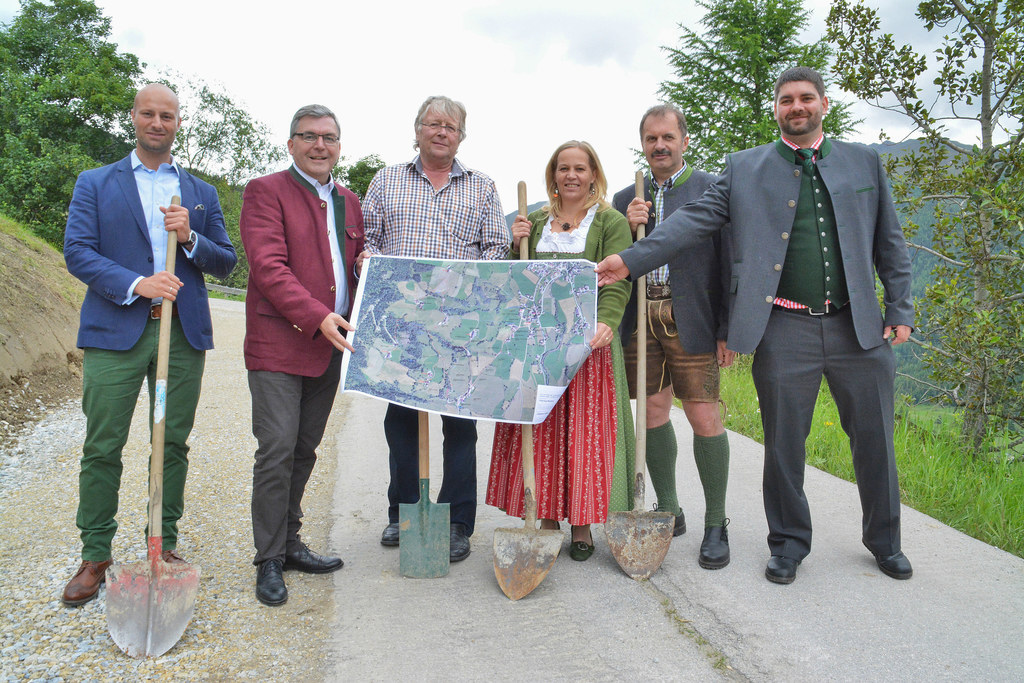 Güterwegprojekt in Lessach im Lungau, von links: Dominik Rosner (Referatsleiter ..