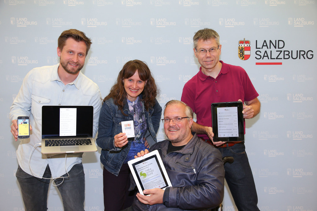 Der Familienpass kommt aufs Smartphone, im Bild v. li: Werner Haring Entwickler ..
