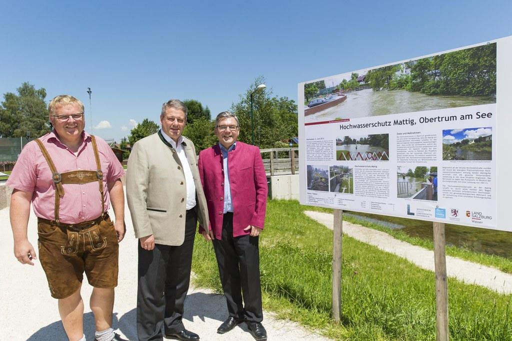 Hochwasserschutz Obertrum, Bürgermeister Obertrum Simon Wallner, Minister Andrä ..