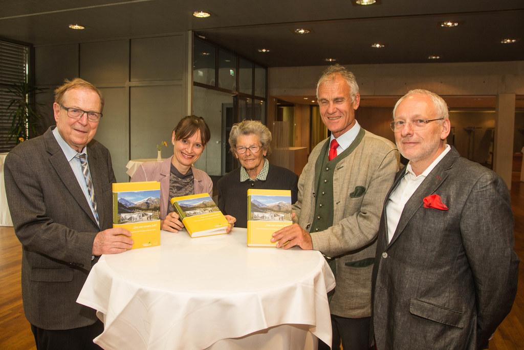 Buchpräsentation in Zell am See mit Wilhelm Klepsch, Landesrätin Martina Berthol..