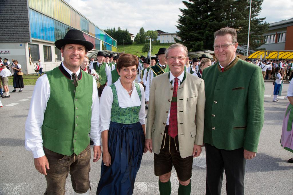 Musik-Obmann Gunter Gerstel, LAbg. Theresia Neuhofer, LH Wilfried Haslauer und B..