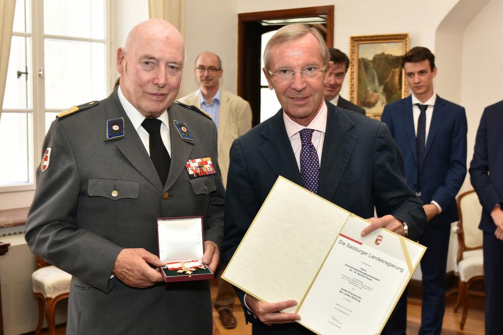 Gerhard Huber und Landeshauptmann Wilfried Haslauer