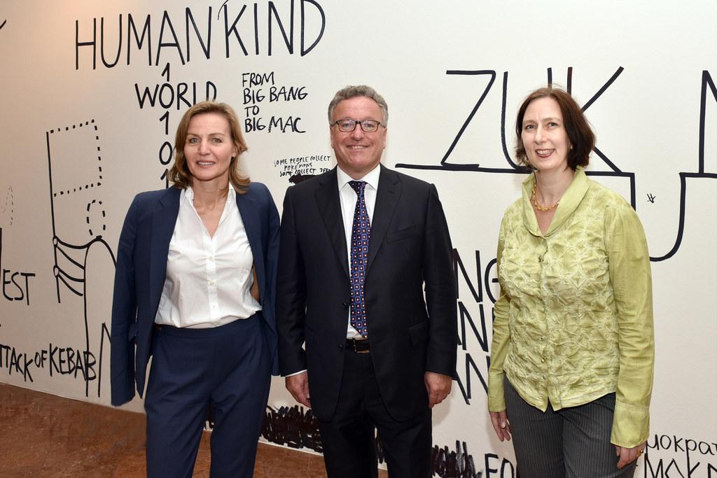Sabine Breitwieser, Direktorin des Museum der Moderne Salzburg, LR Heinrich Sche..