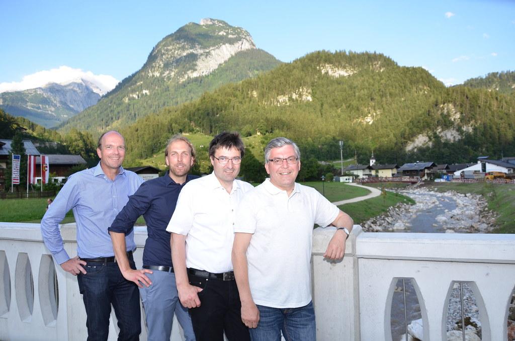 v.l.n.r.: Heinz Stiefelmeyer (Leiter Abteilung Schutzwasserwirtschaft), Projektl..