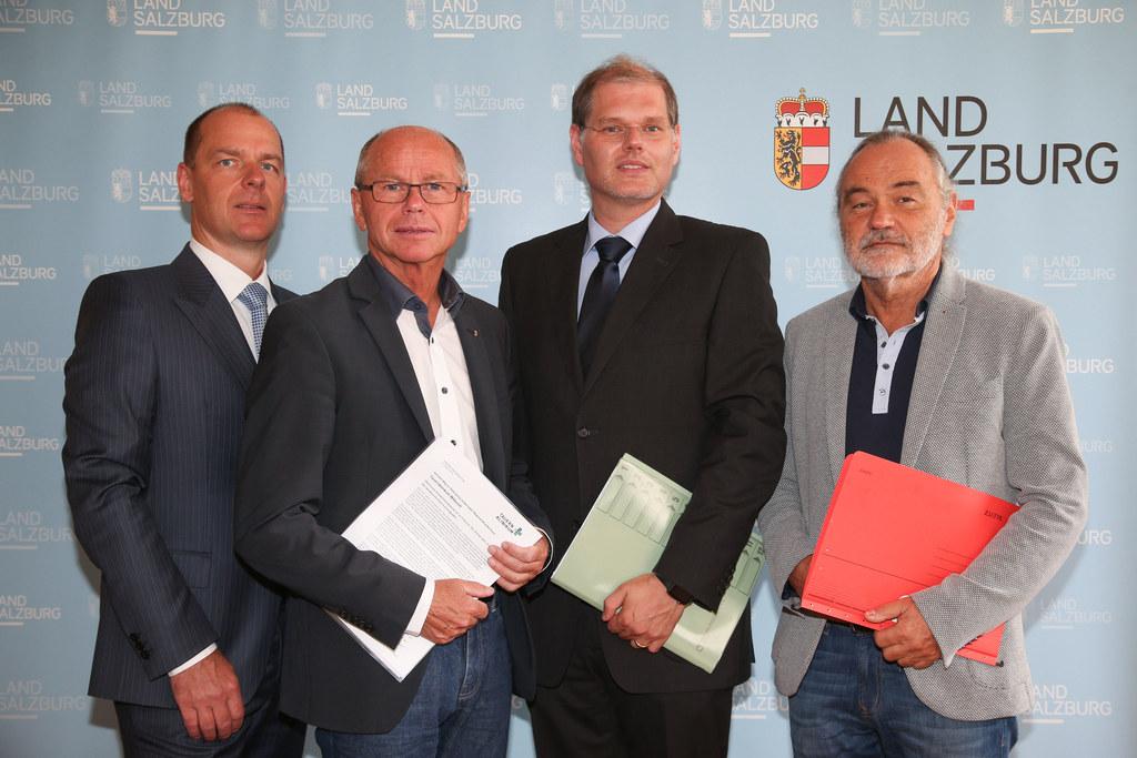 Peter Pozgainer (Ärztliche Standortleitung Mittersill), LH-Stv. Christian Stöckl..