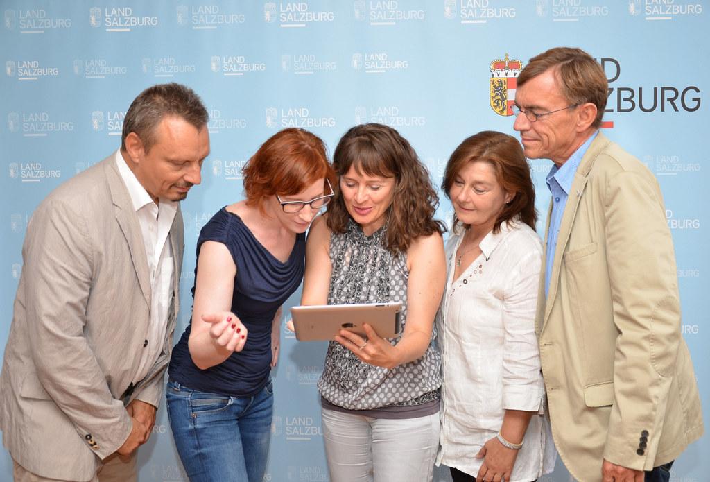 vlnr.: Werner Pichler, Direktor BFI Salzburg, Katrin Reiter, Projektkoordination..