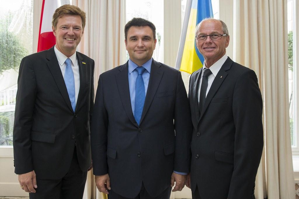 Martin Panosch (Honorarkonsul der Ukraine), der ukrainische Außenminister Pawlo ..