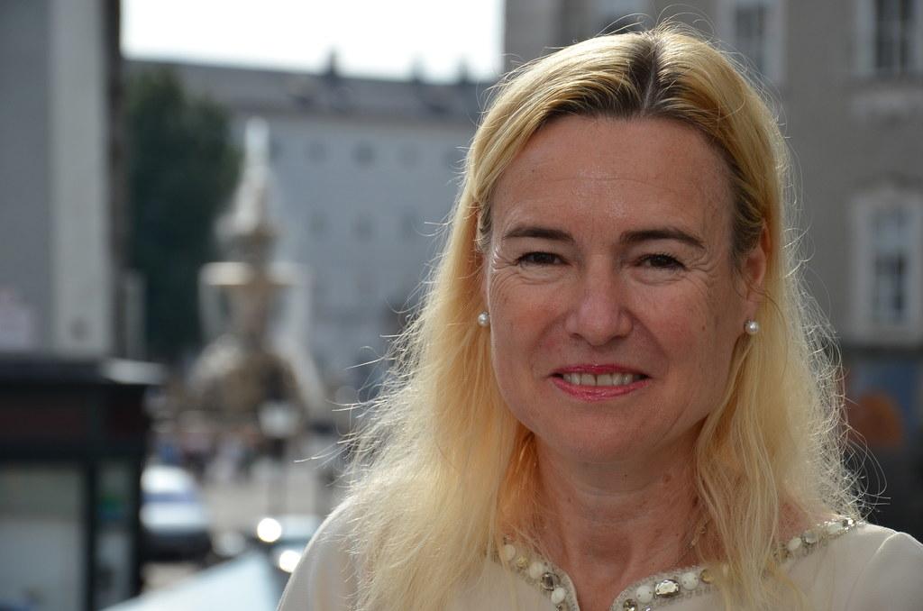 Petra Schneebauer, Leiterin des Bürgerservice des Außenministeriums