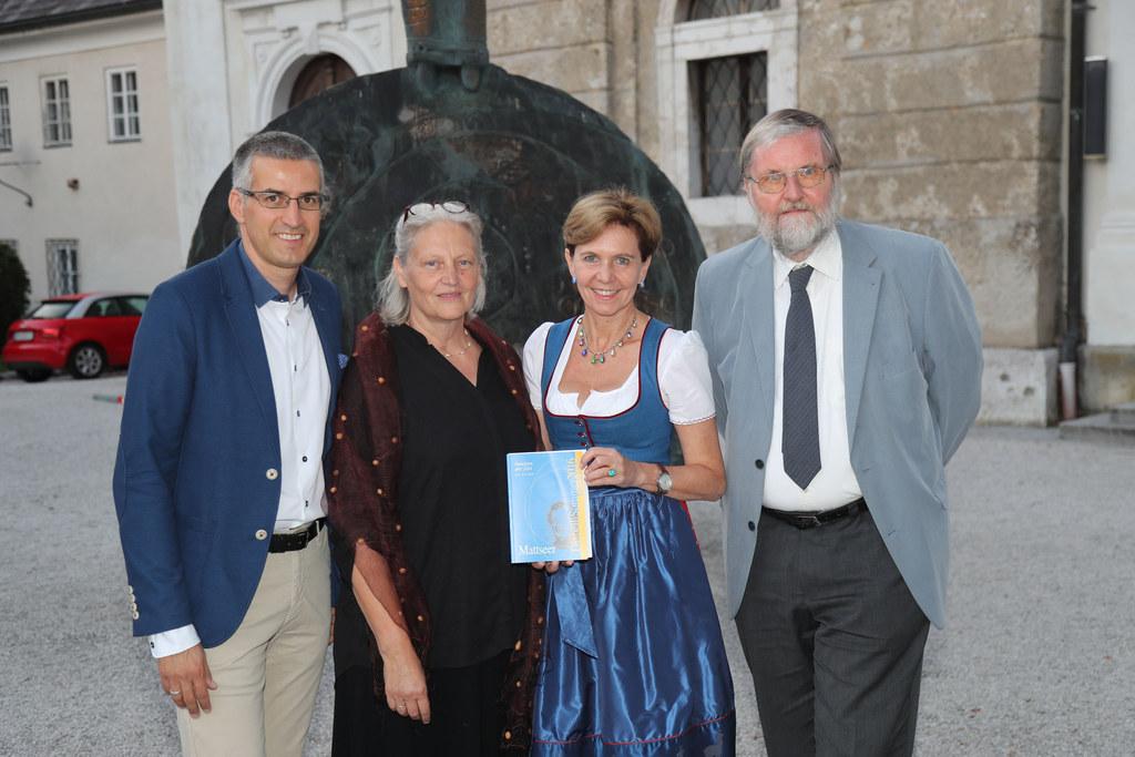 Bürgermeister René Kuel, Obfrau Maria Liem, Landtagspräsidentin Brigitta Pallauf..