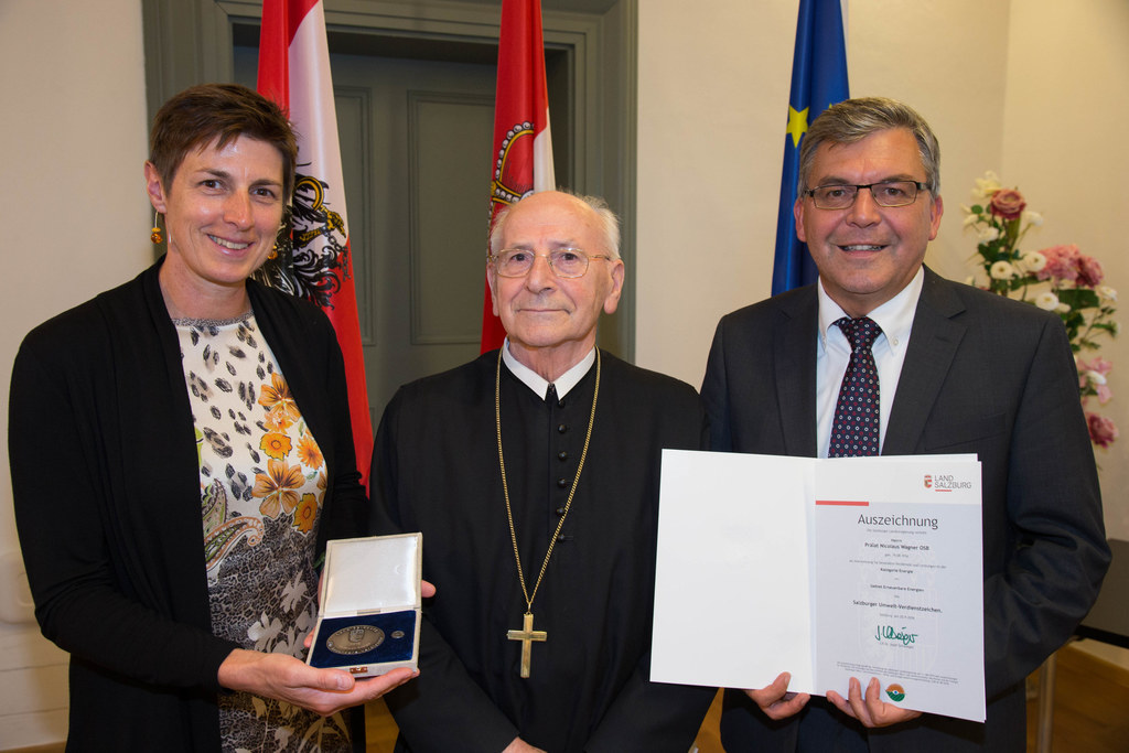 Landeshauptmann-Stellvertreterin Astrid Rössler, Prälat Nicolaus Wagner und Land..