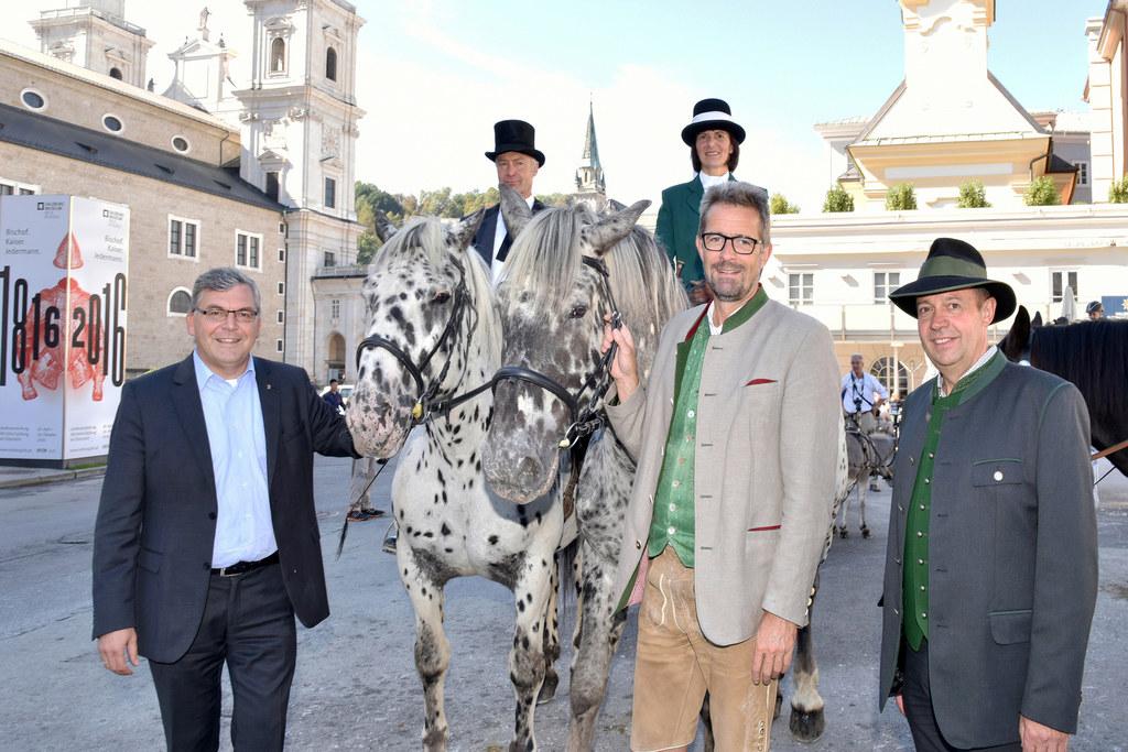 Landesrat Josef Schwaiger, Hans und Helga Höllbacher, Christoph Faistauer und Ge..