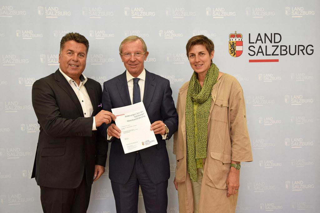 Landesrat Hans Mayr, Landeshauptmann Wilfried Haslauer und Landeshauptmann-Stell..