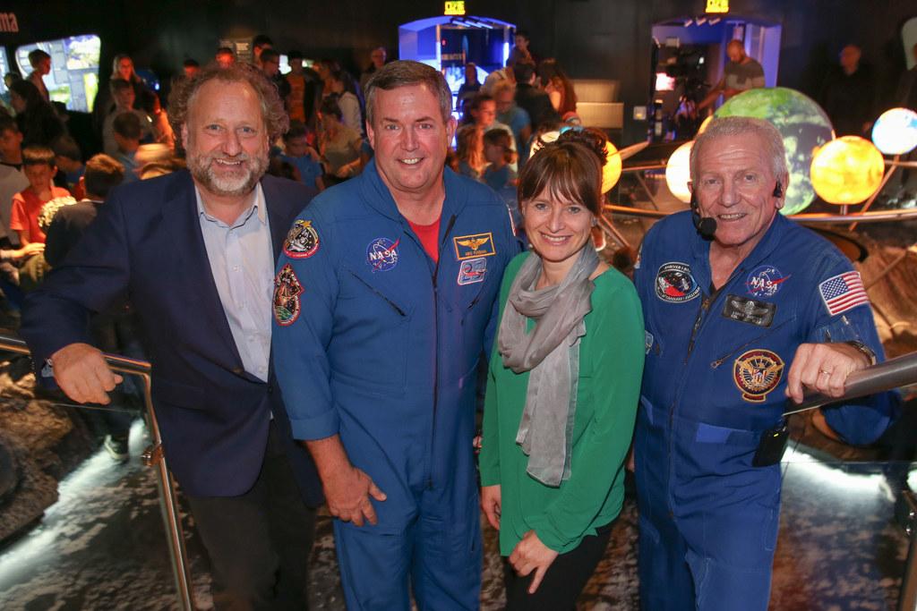 Norbert Winding Direktor Haus der Natur, Michael J. Foreman Astronaut, LR Martin..