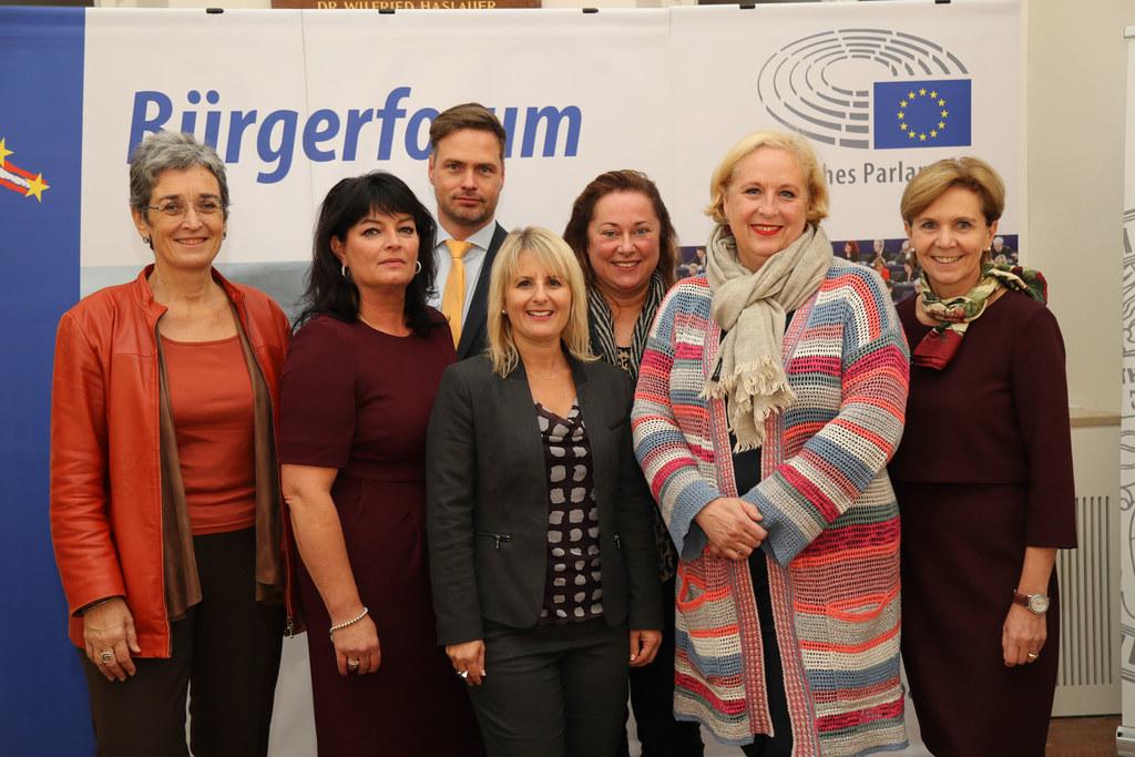 Ulrike Lunacek (Vizepräsidentin des Europäischen Parlaments), Karin Berger (stel..