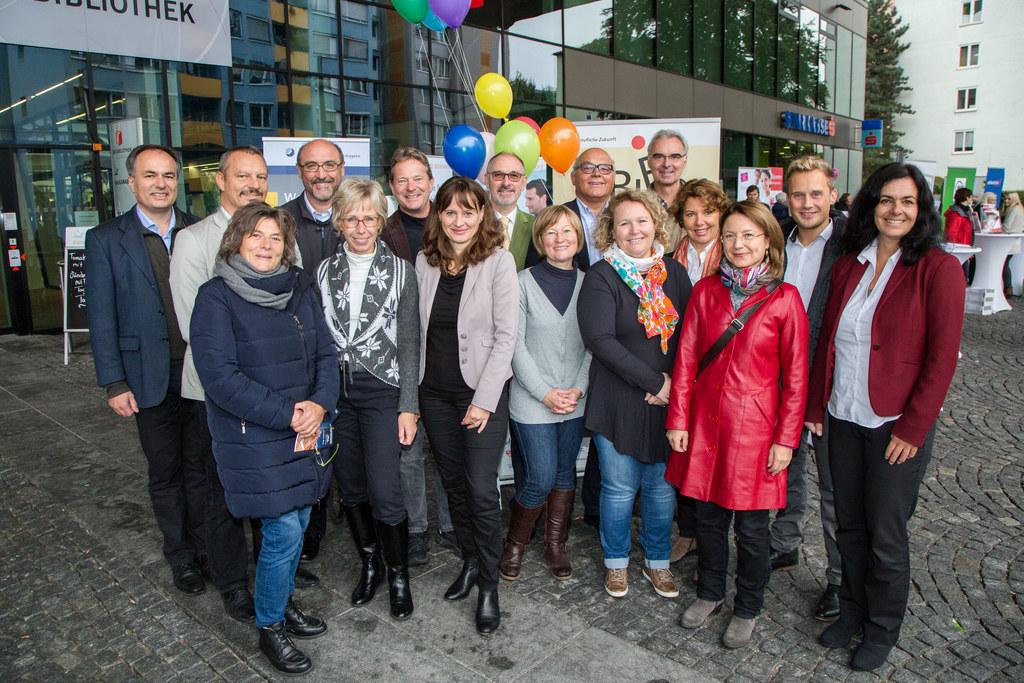 Landesrätin Martina Berthold und die Leiter der (17) Bildungseinrichtungen der ..