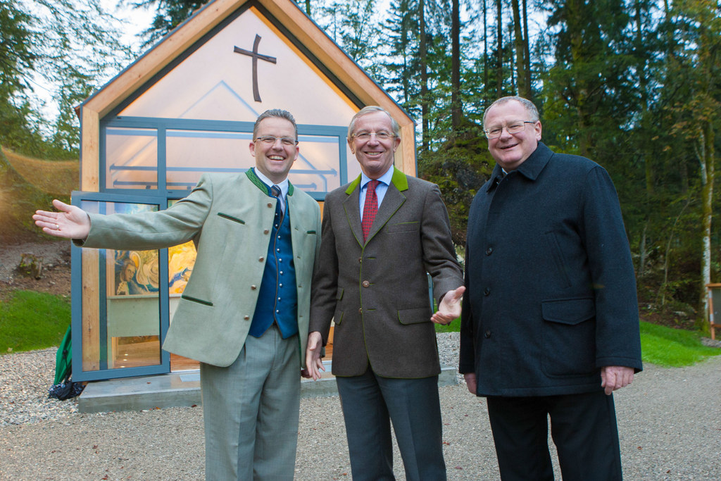 Albert Ebner (Gasthof Ebner Hintersee), LH Wilfried Haslauer und Paul Weissenbac..