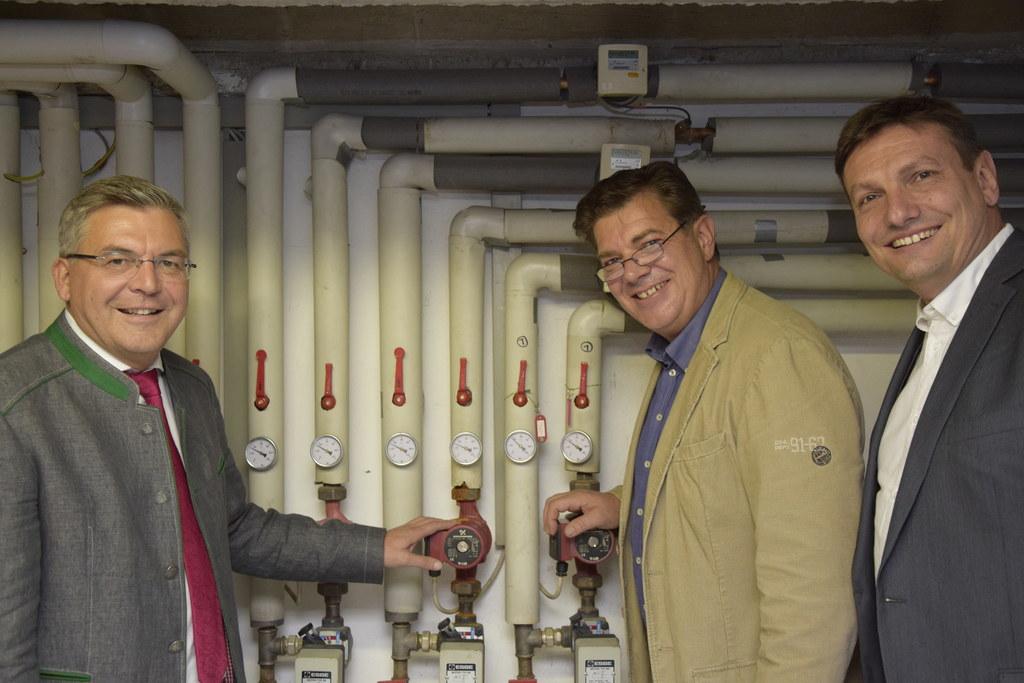 Landesrat Josef Schwaiger, Andreas Rotter (Innungsmeister der Landesinnung der Sanitär-, Heizungs- und Lüftungstechniker) und Gerhard Löffler (Referat Energiewirtschaft und -beratung).
