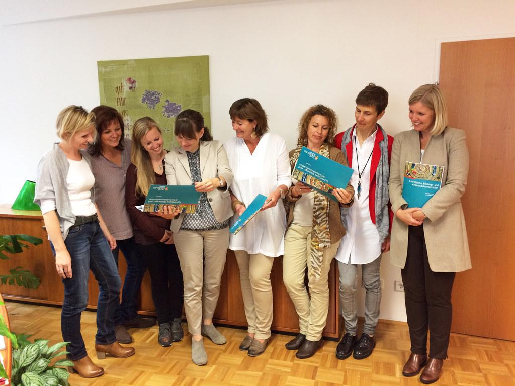 Simone Greisberger, Alexandra Rückl, Helga Topf, LR Martina Berthold, Maria Berk..