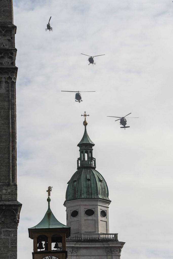 Überflug der Hubschrauberstafel über die Altstadt