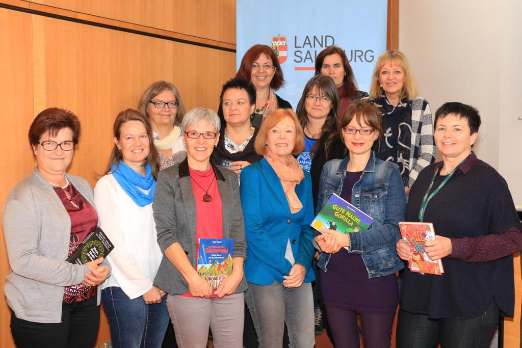 Landesrätin Martina Berthold und Regionalbetreuerinnen bei der Landesbüchereitag..