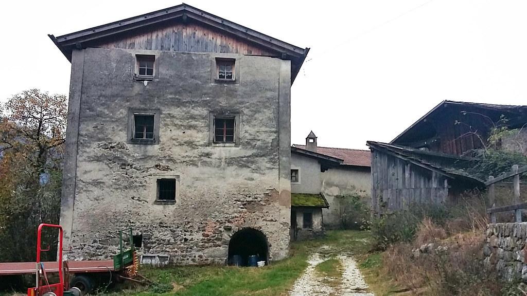 Vom uralten Hochhueb-Hof in Partschins nahe Meran bezogen die Salzburger Erzbisc..