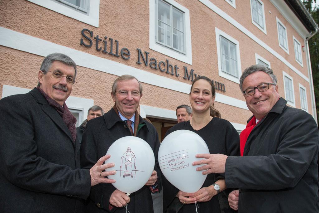 Bürgermeister Peter Schröder, Landeshauptmann Wilfried Haslauer,  Helene Zimmere..