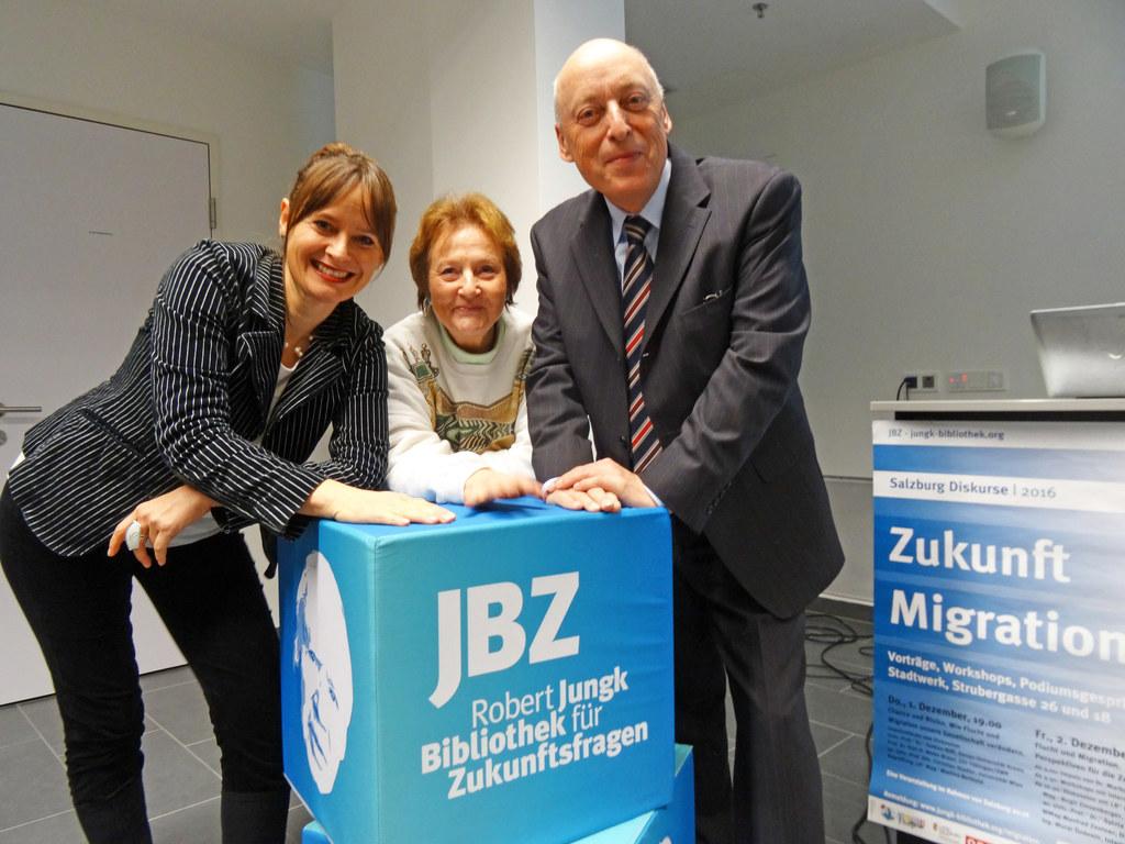 Landesrätin Martina Berthold, Gudrun Biff und Karl-Heinz Meier-Braun bei der Erö..