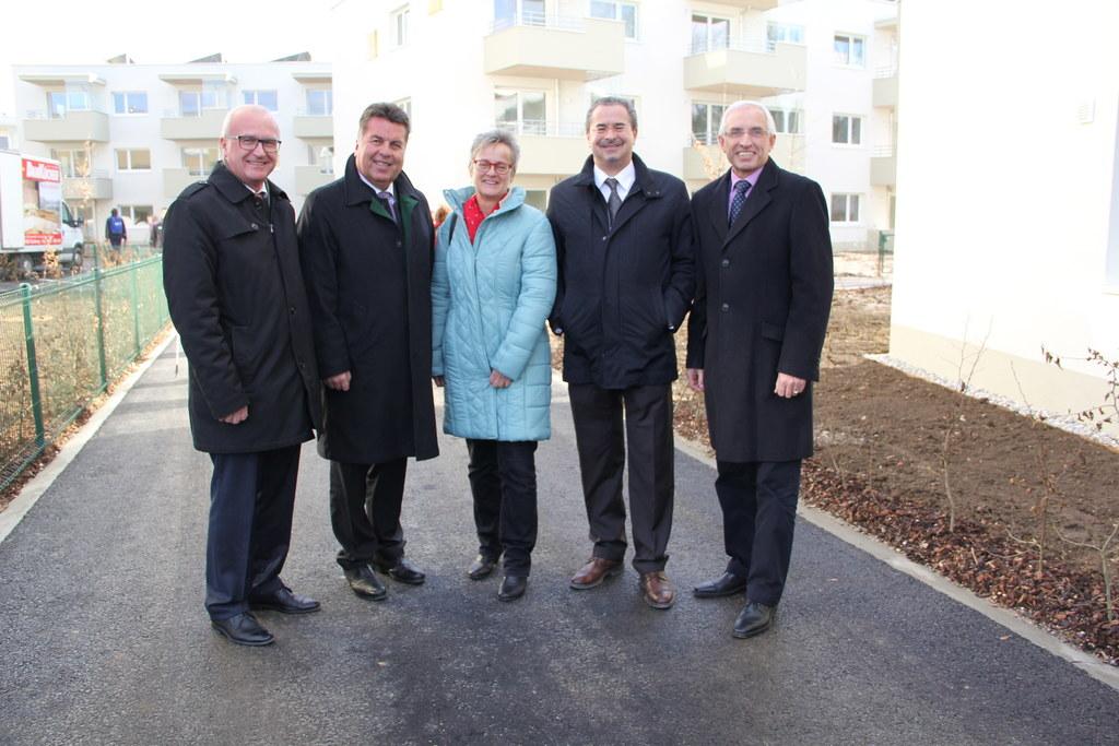 Johannes Dines (Direktor Caritas Salzburg), Landesrat Hans Mayr, Monika Aistleit..