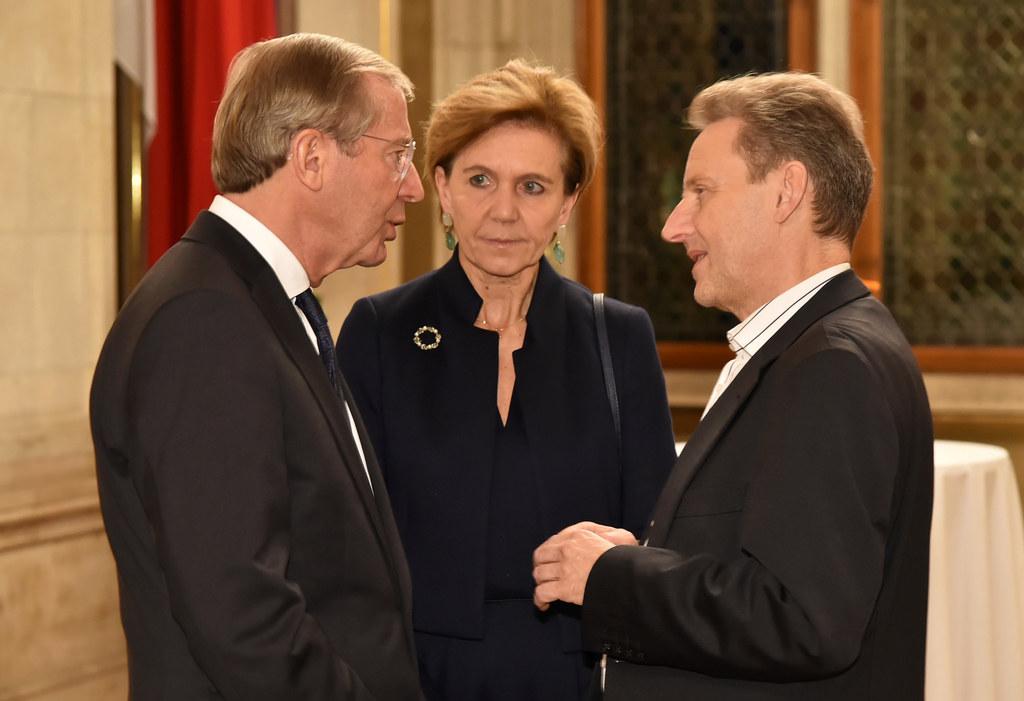 Landeshauptmann Wilfried Haslauer, Salzburgs Landtagspräsidentin Brigitta Pallau..
