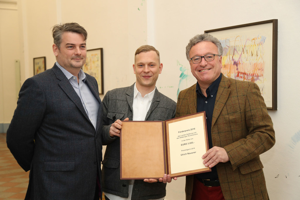 Kurator Seamus Kealy, Preisträger Ulrich Nausner und LR Heinrich Schellhorn