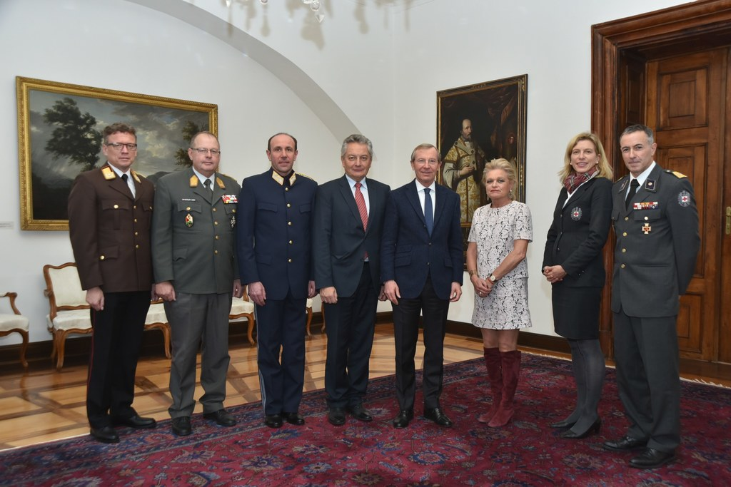 v.l.n.r.: Landesfeuerwehrkommandant-Stv. Hannes Pfeiffenberger, Militärkommandan..