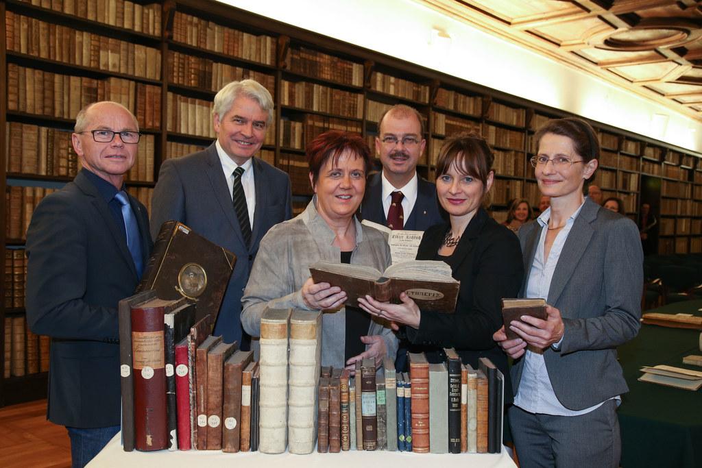LH-Stv. Christian Stöckl, Heinrich Schmidinger Rektor, Ursula Schachl-Raber Leit..