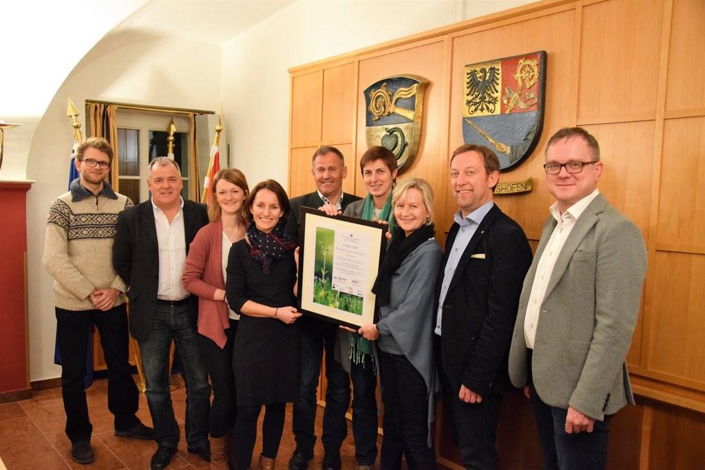 Landeshauptmann-Stellvertreterin Astrid Rössler überreichte die Urkunde für den ..