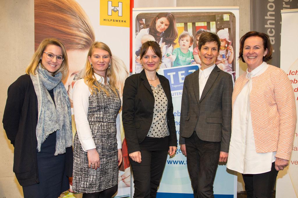 Brigitte Nindl, Natalie Kohl, Landesrätin Martina Berthold,  Lucia Eder und Moni..
