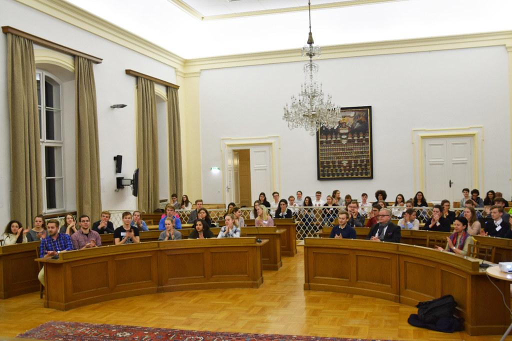 Europäisches Jugendparlament zu Gast im Salzburger Landtag