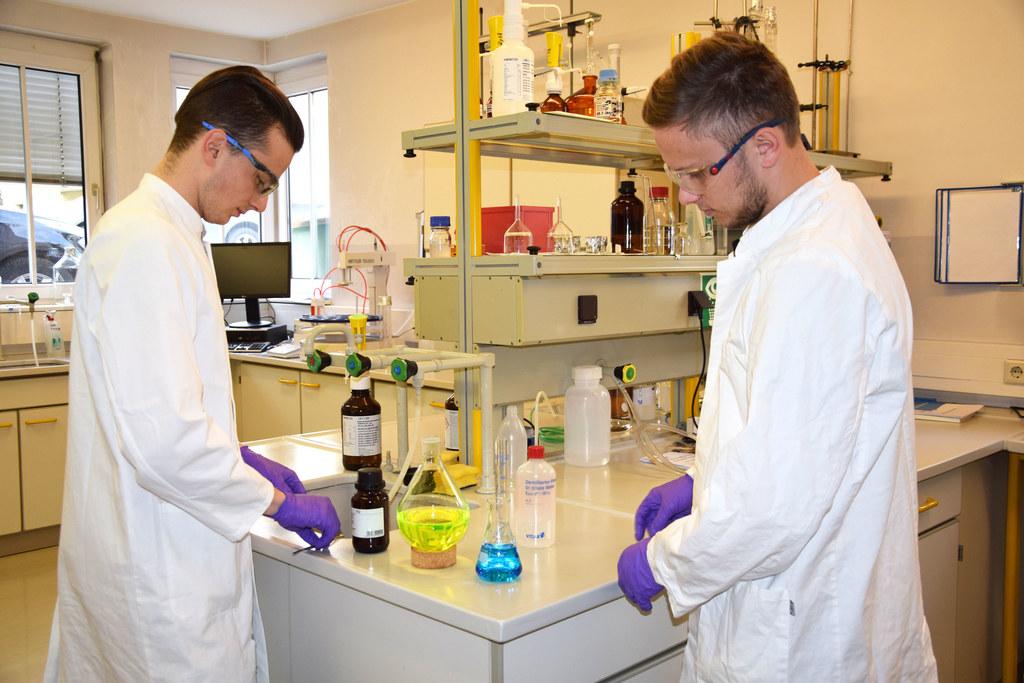 Chemielabortechniker