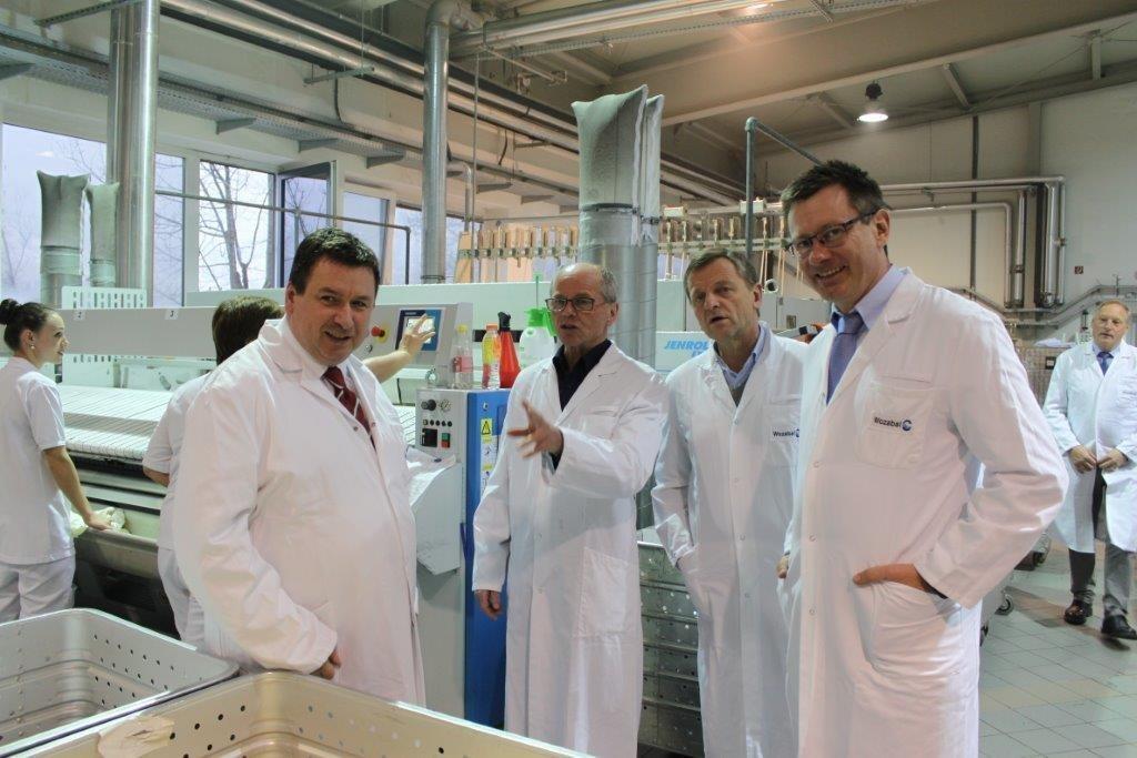 Wozabal-Geschäftsführer Manfred Hollnsteiner, LH-Stv. Christian Stöckl, LAbg. Ha..