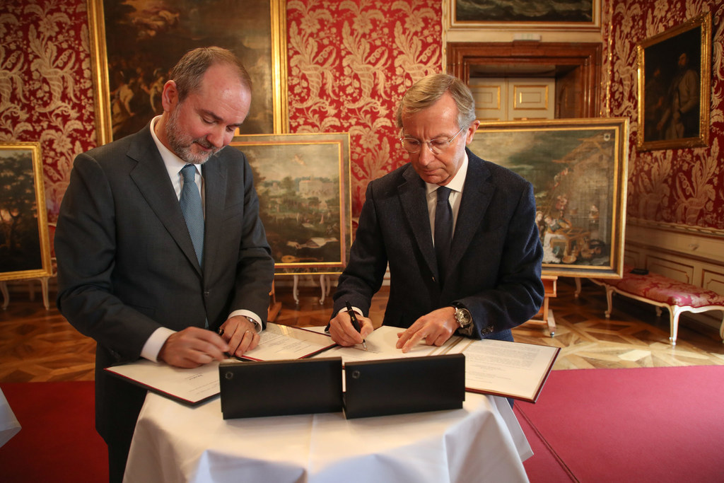 Bundesminister Thomas Drozda (li.) und Landeshauptmann Wilfried Haslauer bei der..
