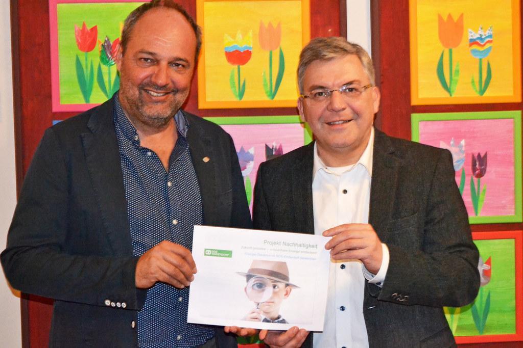 SOS-Kinderdorf-Leiter Wolfgang Arming und Landesrat Josef Schwaiger